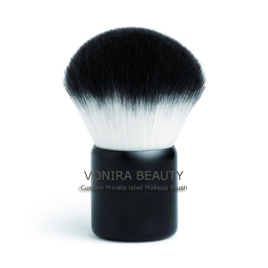 Synthetic Kabuki Brush With White and Black Tip Color